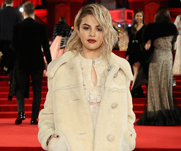 Selena Gomez Changes Her Look Five Times in London!
