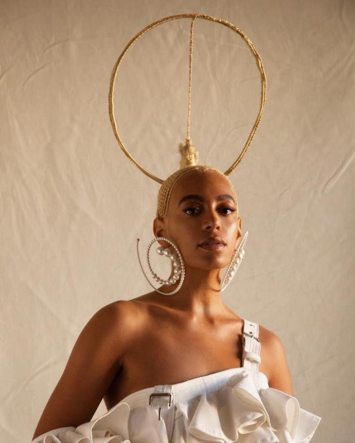 """**SOLANGE'S HAIR IN *ES MAGAZINE*** <br><br> In October, **Solange** [called out](https://www.washingtonpost.com/news/morning-mix/wp/2017/10/23/magazine-apologizes-to-solange-knowles-after-editing-out-her-braids-on-its-cover/?utm_term=.7ae10c34eea2
