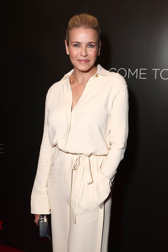 """**Chelsea Handler** <br><br> As someone who travels quite a bit for work, Chelsea finds the best way to hook up with people is through apps like Tinder. """"Oh, I'm on all those apps,"""" she told [*Entertainment Tonight*](http://www.etonline.com/news/214990_exclusive_chelsea_handler_on_embracing_singledom_and_using_tinder_to_hook_up_i_m_on_all_those_apps