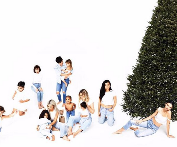 The 25 funniest reactions to Kylie Jenner not being in the final Kardashian Kristmas card