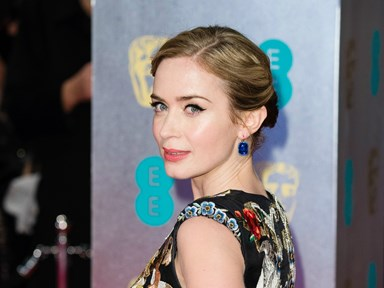 3 pics of Emily Blunt transformed into Mary Poppins for the film's sequel