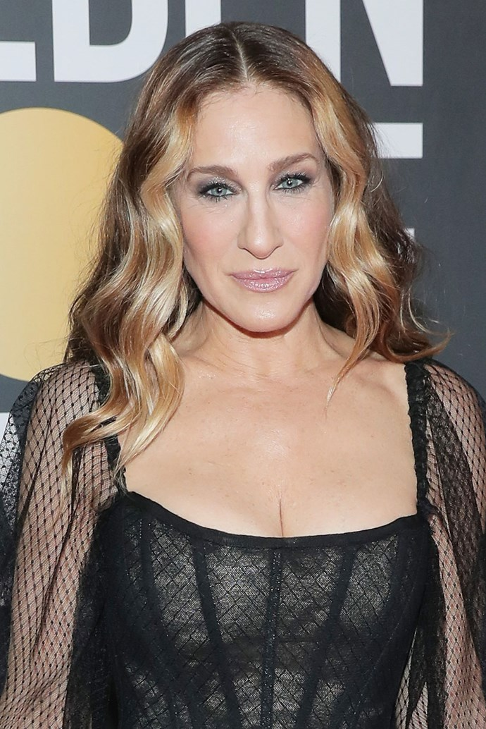 **Sarah Jessica Parker** <br><br> SJP rocks her signature black liner and ever-covetable blonde wavy locks on this year's red carpet.