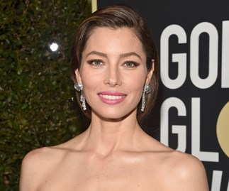 jessica biel golden globes 2018 red carpet