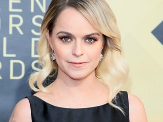 OITNB's Taryn Manning is backtracking after she slammed stylist for her $200 SAG Awards dress