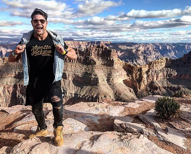 """**Apollo Jackson** <br><br> Everyone's favourite magician, Apollo, was announced as one of the first six contestants on [*Bachelor in Paradise*](https://www.cosmopolitan.com.au/bachelor/bachelor-in-paradise-australia-trailer-25502), but there haven't been updates as to whether he's hooked up with anyone or not (unlike, for example, Jarrod and Keira, and Jake Ellis and Megan Marx). So we're secretly keeping our fingers crossed that he's still single. <br><br> *Image: [@apollojacksonofficial](https://www.instagram.com/p/BdzGjI7H8SR/?taken-by=apollojacksonofficial