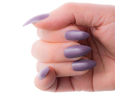 This woman almost lost her thumb after having fake nails