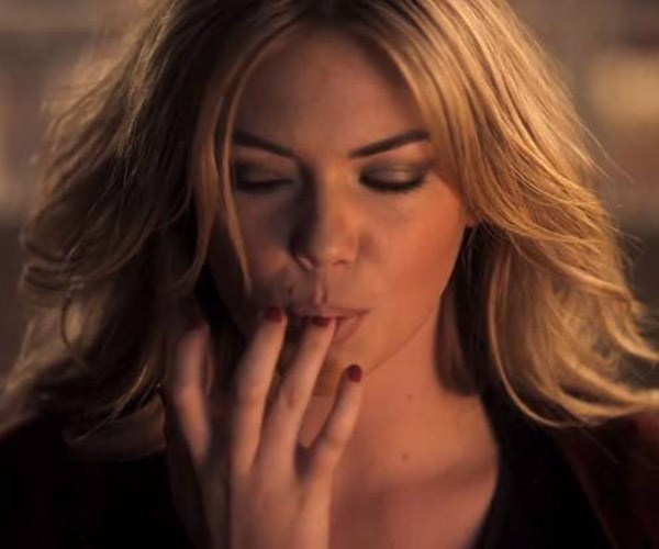 Kate Upton licking Hot Pockets off her fingers = sexy.