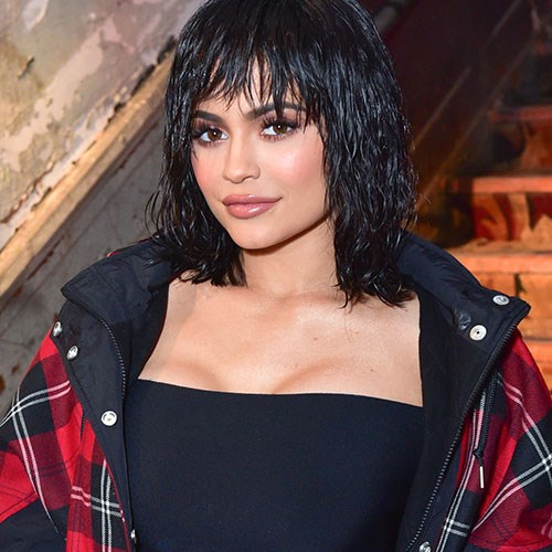 Another day, another wig. This time, Kylie went for a shaggy black bob. Can we also talk about her on-point dewy makeup look? At the Alexander Wang show at NYFW '17, girlfriend had it going *on*.