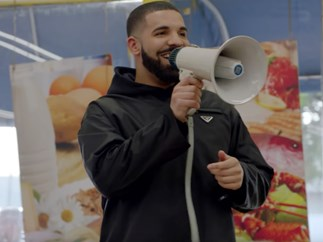 "Your boyfriend Drake gave away $1 million in his extremely adorable ""God's Plan"" video"