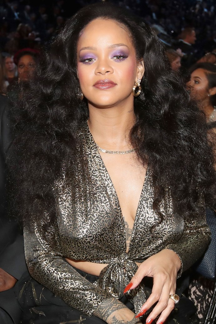 The singer began this year with a bang by giving us SERIOUS Diana Ross vibes at the 2018 Grammy Awards. We are all about that retro ultraviolet lid and heavy pink blush.