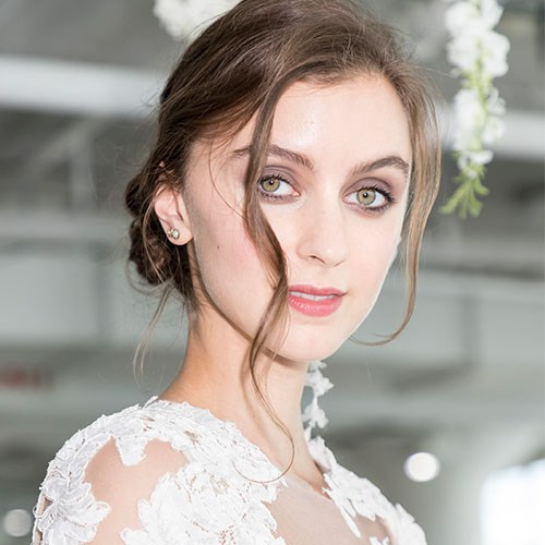 Loose waves at the autumn/winter '18 Bridal Presentation in New York.