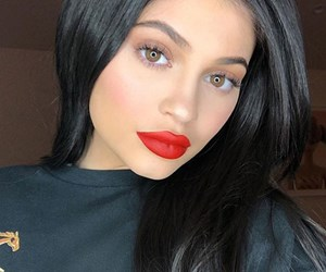 Kylie Jenner just shared the second photo of baby Stormi on Snapchat