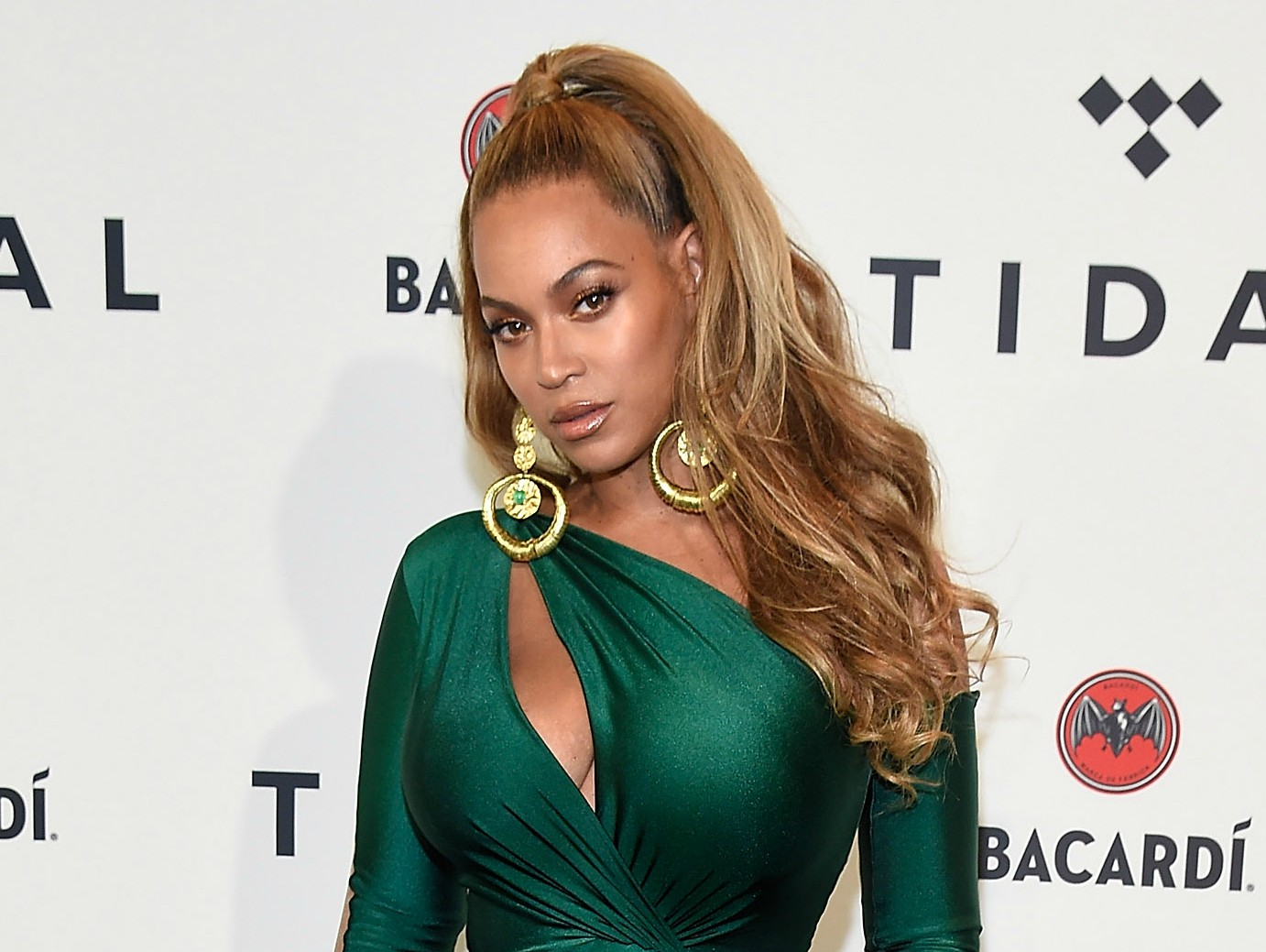 Beyonce throws shade at Kim Kardashian in new song
