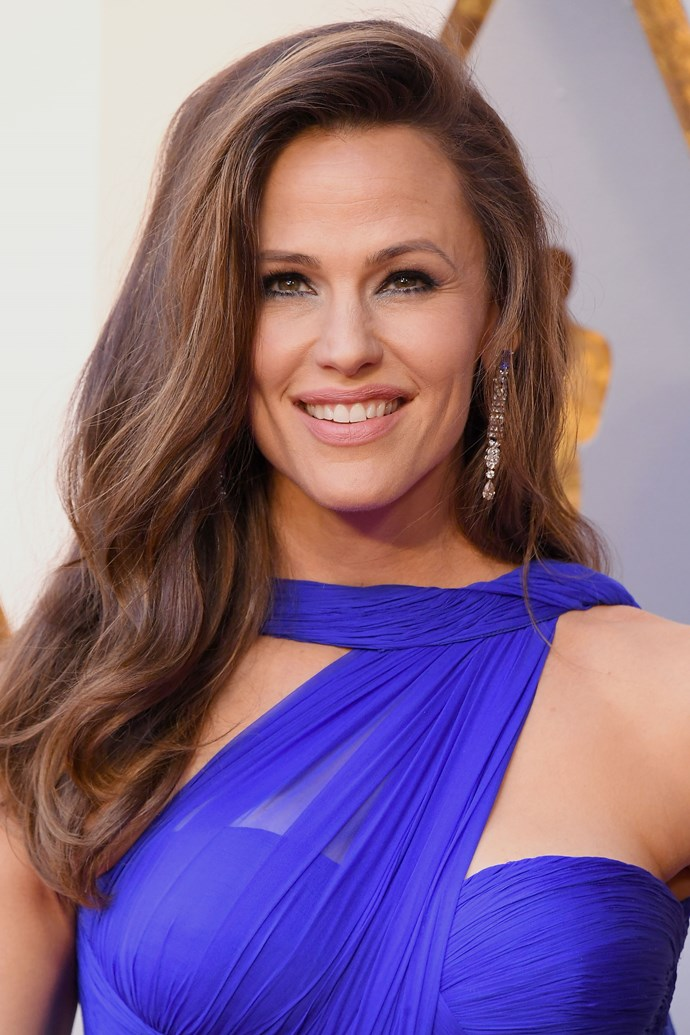 **Jennifer Garner** <br><br> The actress made one of her few red carpet appearances count with voluminous tousled waves and heavily lined eyes.