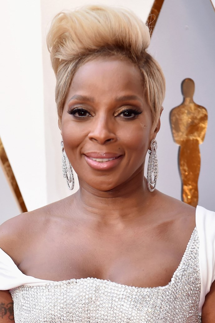 **Mary J. Blige** <br><br> The singer and actress here teaches us that she can rock the coiffed short 'do like no other!