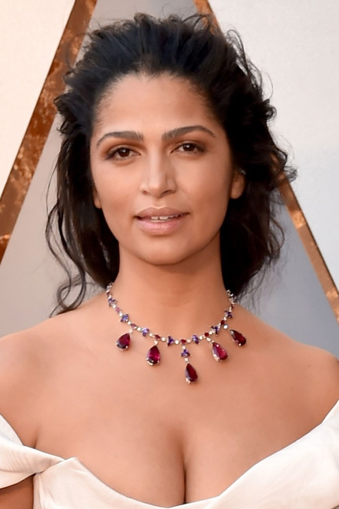 **Camilla Alves** <br><br> The Brazilian Beauty kept a very soft makeup palette for the evening, with a bronzed lip, bare glossy lid and glowing skin. To complement the soft makeup, Camilla opted for a relax, yet ethereal updo.