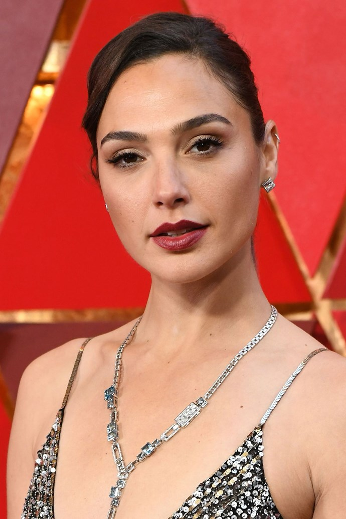 **Gal Gadot** <br><br> The Woman Woman oozed glam with thick black lashes, light contouring and a plum lip.