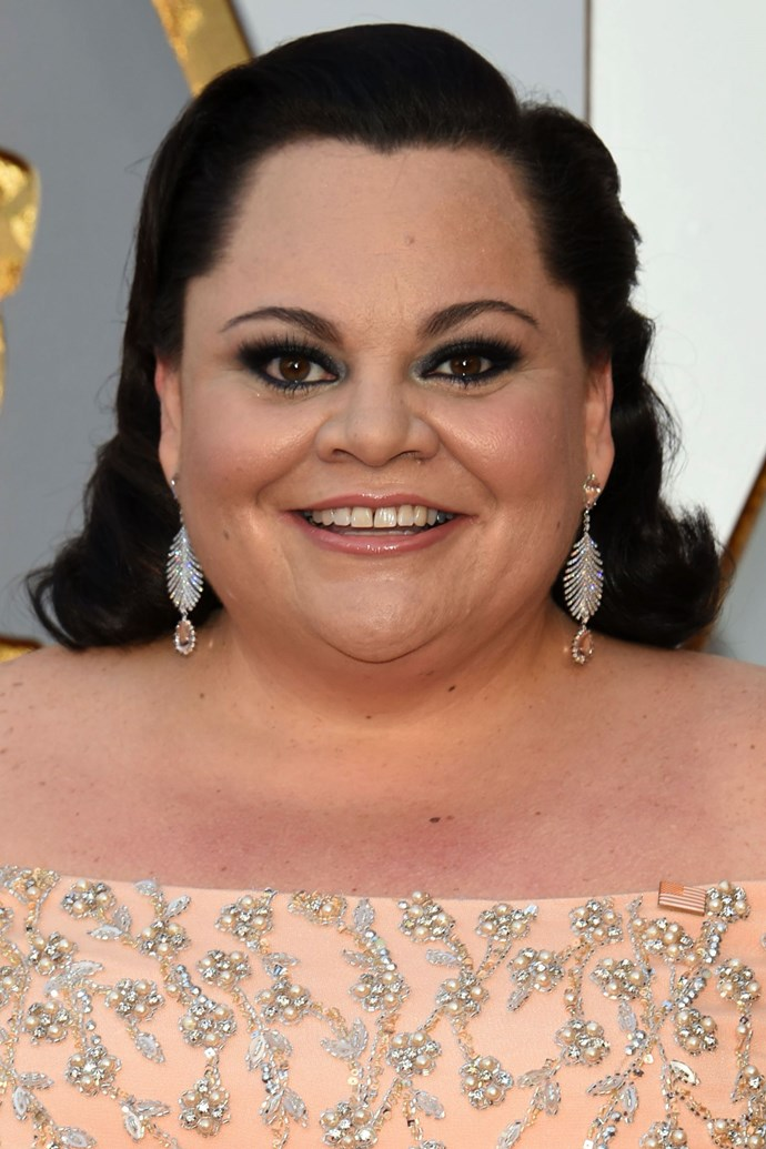 **Keala Settle** <br><br> The *Greatest Showman* actress rocked a emerald smoky eye, and thick black lashes.