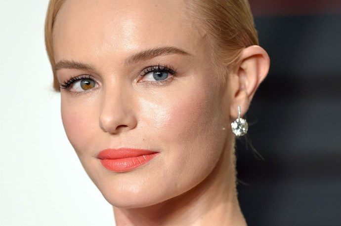 """**Brushed up brows and a coral lip** <br><br> Kate Bosworth *knows* the secret to beautiful makeup... Brushed up brows, flushed cheeks and a complexion-enhancing coral lipstick. <br><br> *Via [Cosmopolitan UK](https://www.cosmopolitan.com/uk/beauty-hair/makeup/g3528/wedding-makeup-ideas/