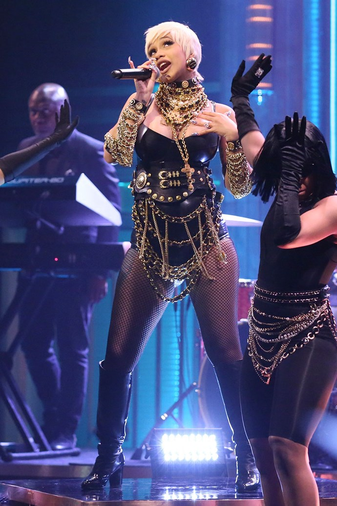 Then she SHUT DOWN *The Tonight Show* like an absolute kween in this leather leotard bling AF situation.