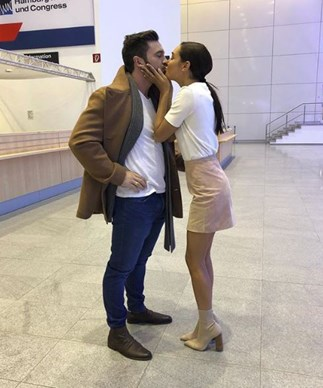 Kayla Itsines Is Engaged And You Need To See The Ring