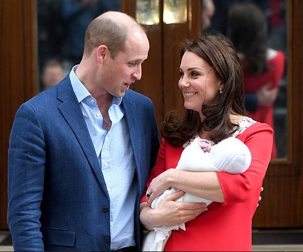 Kate Middleton royal baby three Lindo Wing photo.