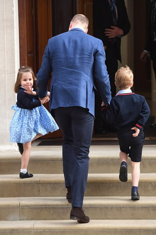 See Princess Charlotte And Prince George Meet The New Royal Baby