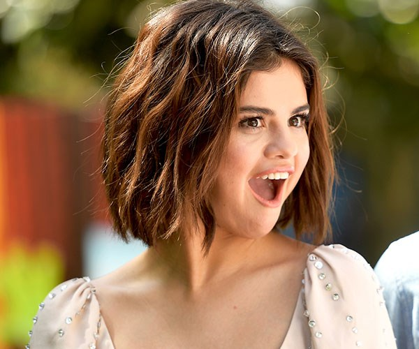 Guys, Selena Gomez shaved part of her head and it honestly looks SO good
