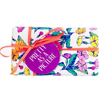 "**Pretty as a Picture Gift Set, $17.95 at [Lush](https://au.lush.com/products/mothers-day/pretty-picture|target=""_blank"").**    Fact: Lush *always* nail it when it comes to holiday gift sets. This one comes with two floral-inspired bath bombs and if that's not perfect for mum, we don't know what is."