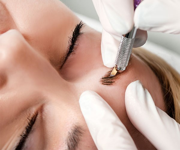 This woman was hospitalised with a life-threatening infection after a microblading experience gone wrong