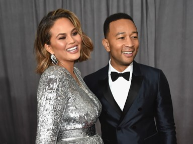 Chrissy Teigen shares candid viddy of her post-baby stretch marks