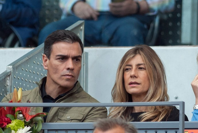 Here he is at the Madrid Open with his equally gorge wife, María Begoña Gómez Fernández.