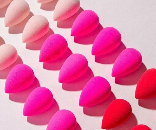 A beautyblender case now exists and all of our beauty prayers have been answered