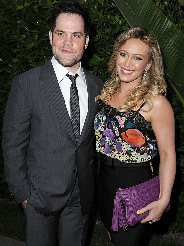"""**Hilary Duff's Broken Tooth**  Shortly before her 2010 wedding to Mike Comrie, Hilary Duff tried to eat a bagel — common enough breakfast choice, right? Wrong. This demonic food item [broke her tooth](https://www.usmagazine.com/stylish/news/hilary-duff-my-tooth-fell-out-hours-before-my-wedding-20102210/