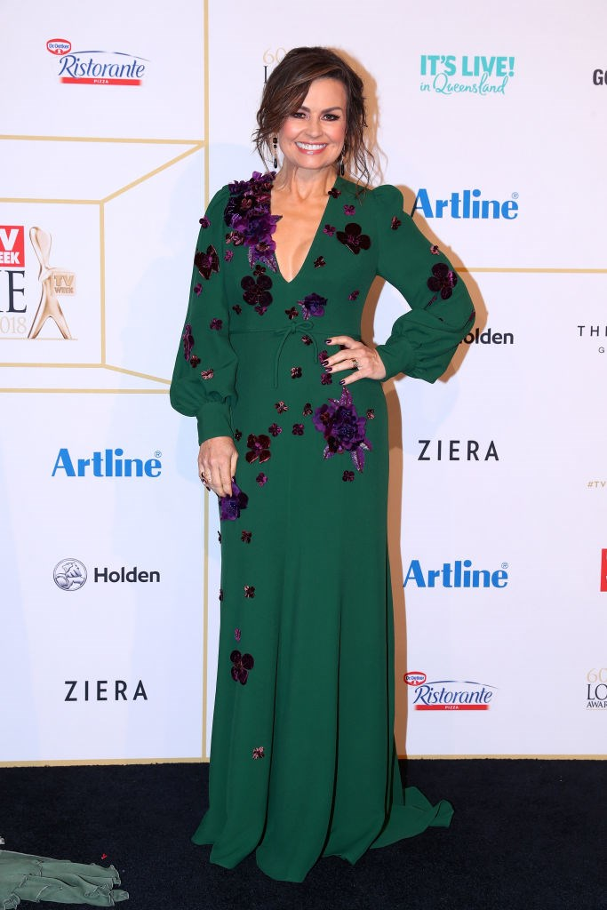 Lisa Wilkinson proving why she's our forever crush. Rock that emerald tone, honey.
