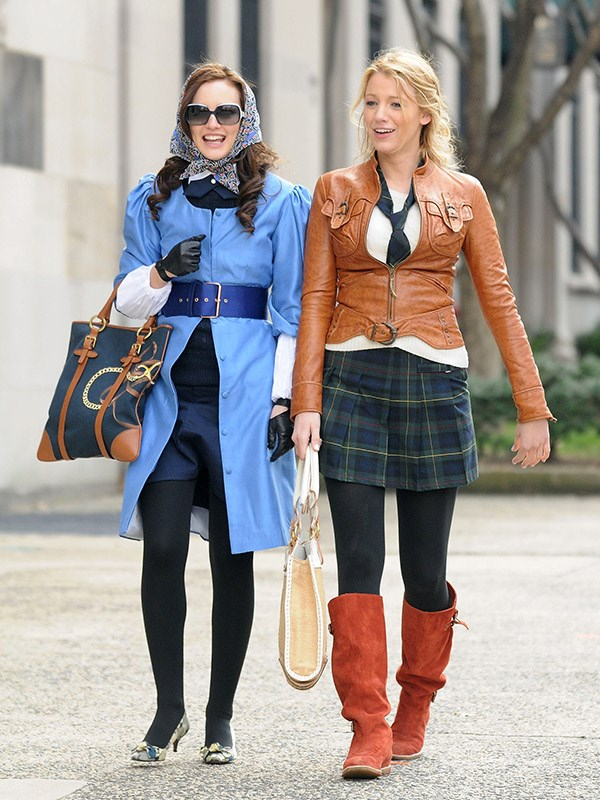 Serena's pointless accessory tie and plaid skirt are oddly very Avril Lavigne. Also Blair — WTF?