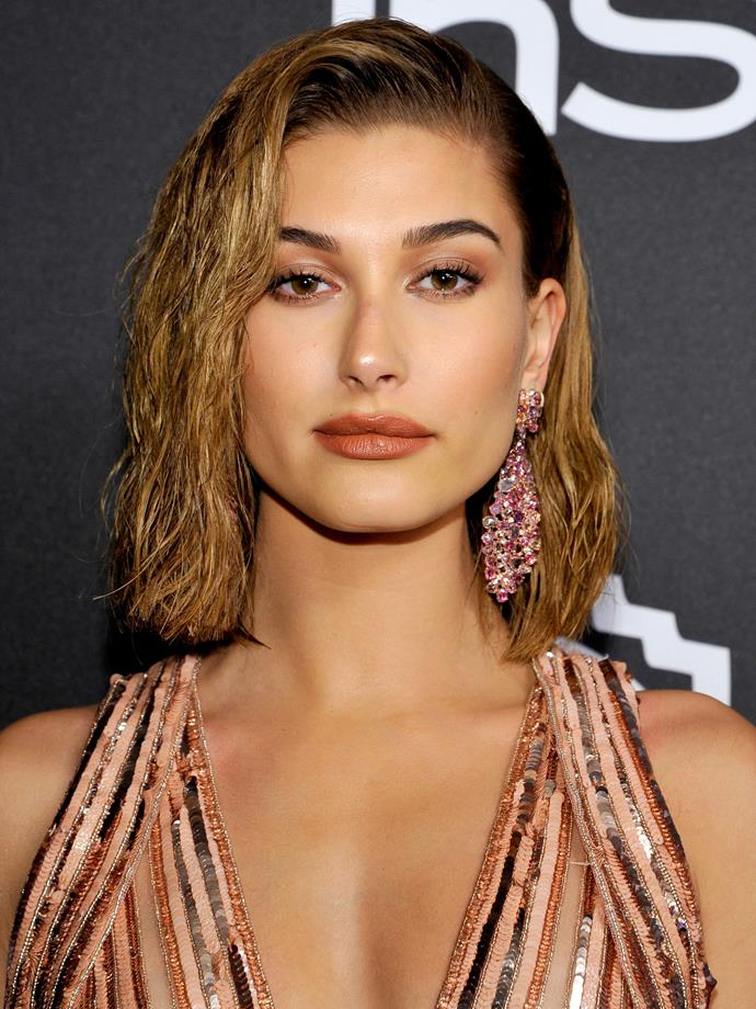 No one does a wet-look lob quite like Hailey. PS: We are dying for this tonal makeup look.