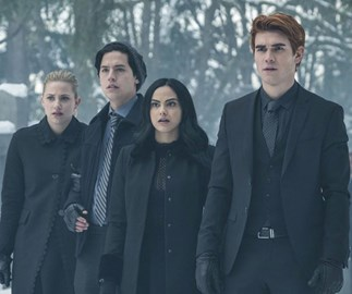 7 'Riverdale' season 3 fan theories you need to know
