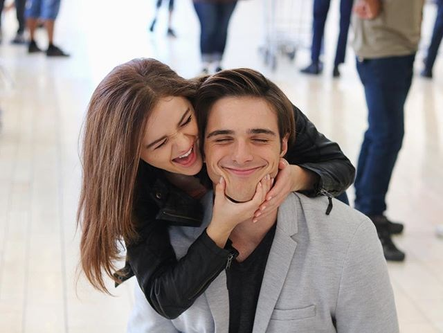 "How about this adorable outtake from the airport where Jacob's character leaves for Harvard? <br><br> Image: [@jacobelordi](https://www.instagram.com/jacobelordi/?hl=en|target=""_blank""