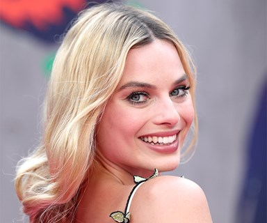 Margot Robbie has transformed into murder victim Sharon Tate
