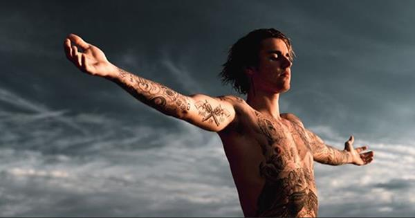 6170d4ac0 Your Official Guide To Justin Bieber'S 56 Tattoos | ELLE Australia