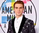 'Riverdale' star KJ Apa just got rid of his iconic Archie red hair
