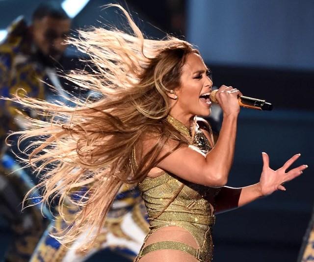 Here's how to watch Jennifer Lopez's 2018 VMAs performance in Australia