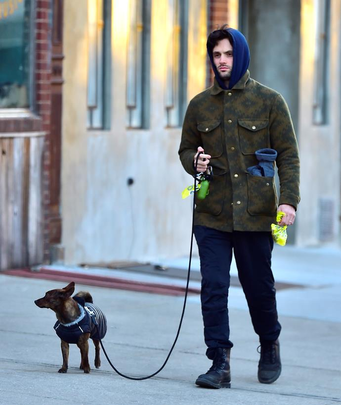 Penn, earlier in the year, seen in the East Village while walking his adorable doggo. Good on him for carrying the poop bags. THIS IS TOO MUCH.