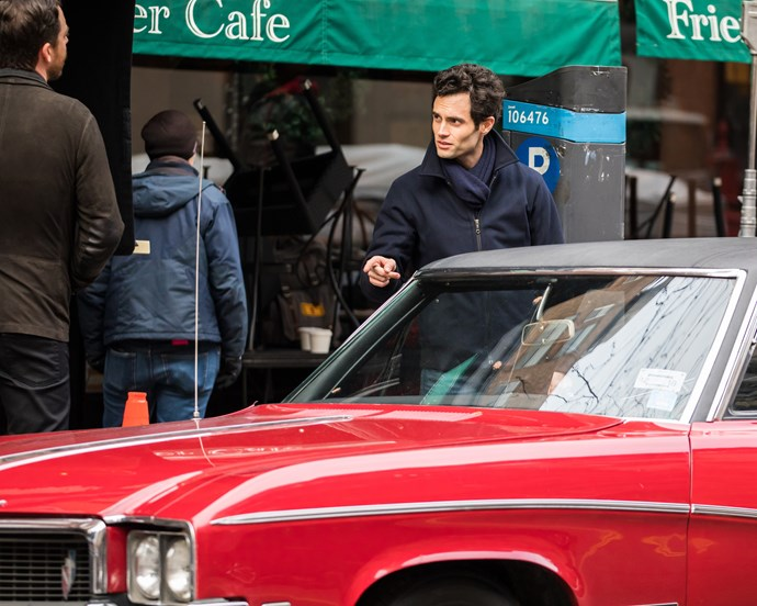Penn on set of YOU late last year. A psychotic stalk has never looked more attractive.
