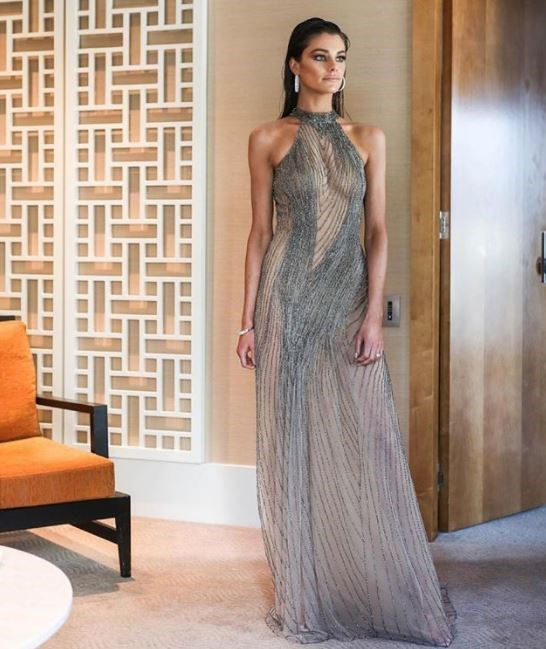 Oh hey there, Gisele Bundchen. Charlotte Ennels is a babe.com.au in Oglia Loro Couture.