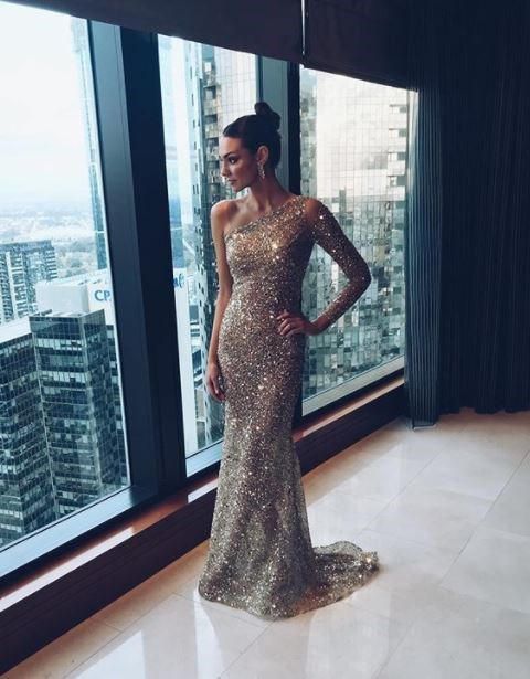 Dani Shreeve gives the Melbourne CBD the cold shoulder in One Day Bridal.