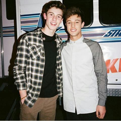 Did cameron dallas dating shawn mendes