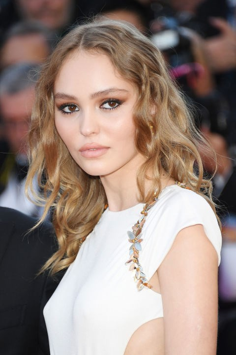 Lily-Rose Depp showed off her beautiful pre-Raphaelite curls.   *Chanel*