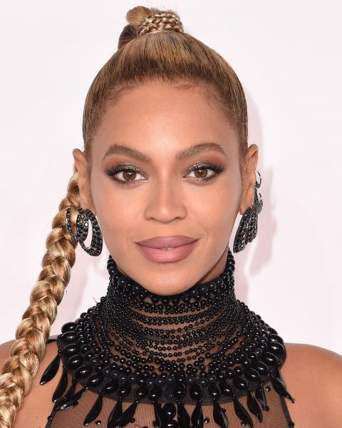 **NO.11 BEYONCÉ**  Brushed up and pencilled in, Beyoncé's got her brow game on point.